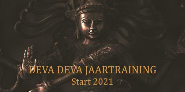 yoga en meditatie jaartraining 2021